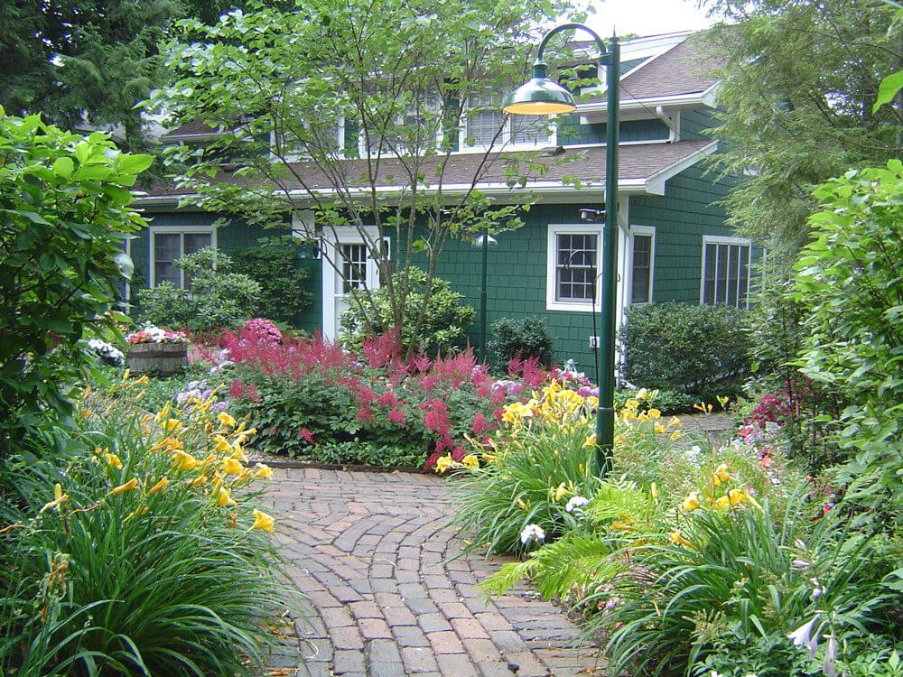 Foegley_Landscaping_Ornamental_and_Formal_Gardens2
